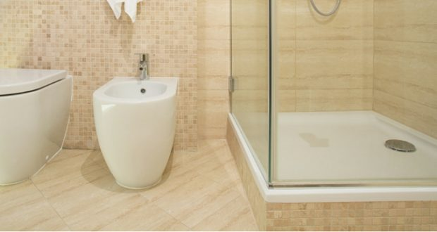 3 facili steps per montare il piatto doccia a filo - Piatto doccia incassato nel pavimento ...